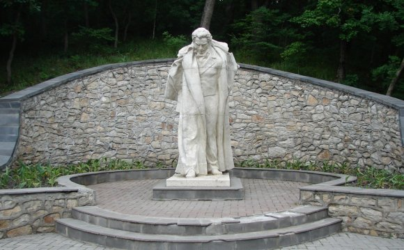 Записи с меткой памятник