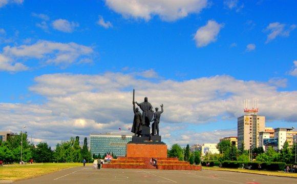 Пермь. Памятник сантехнику