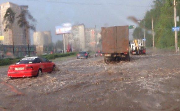 Улицы Перми после грозы